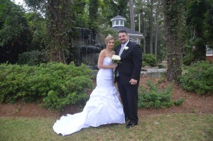 Samantha Queen and Jason Jones were married at Wedding Chapel by the Sea.